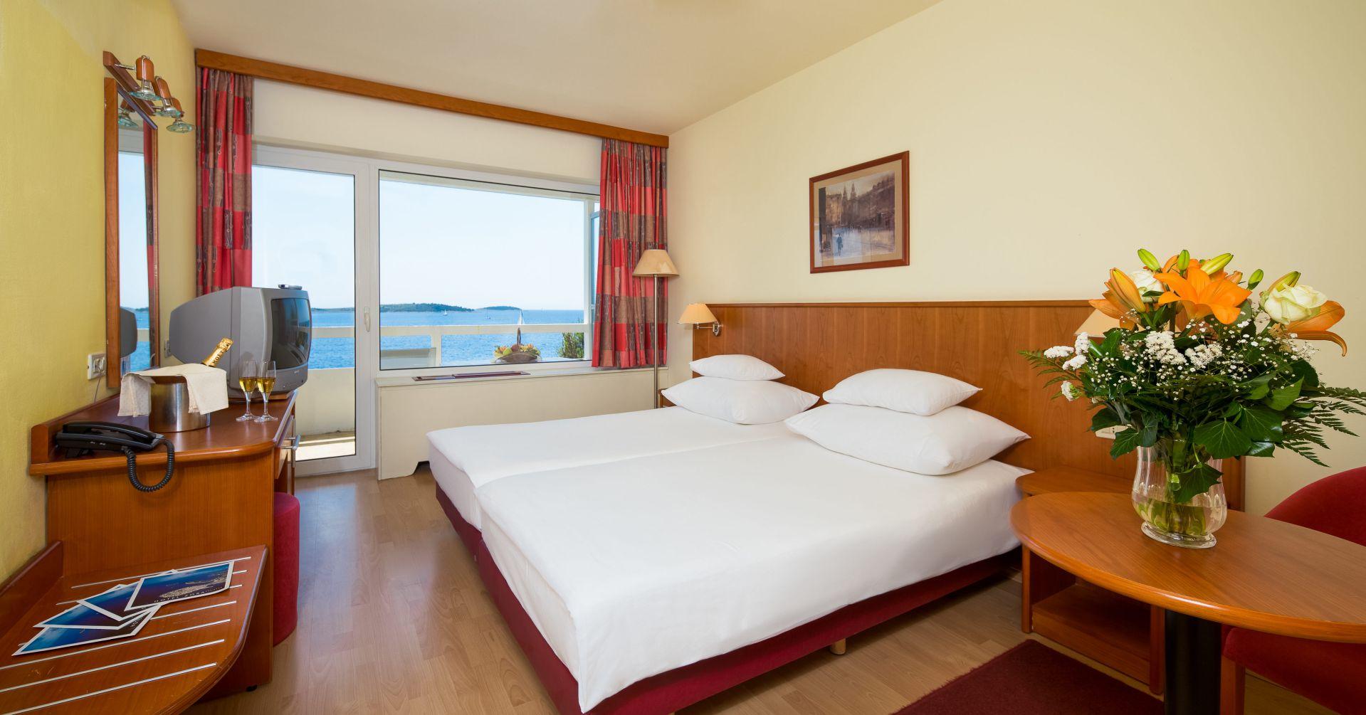 comfort room 01 14638698810 o - Zora Hotel