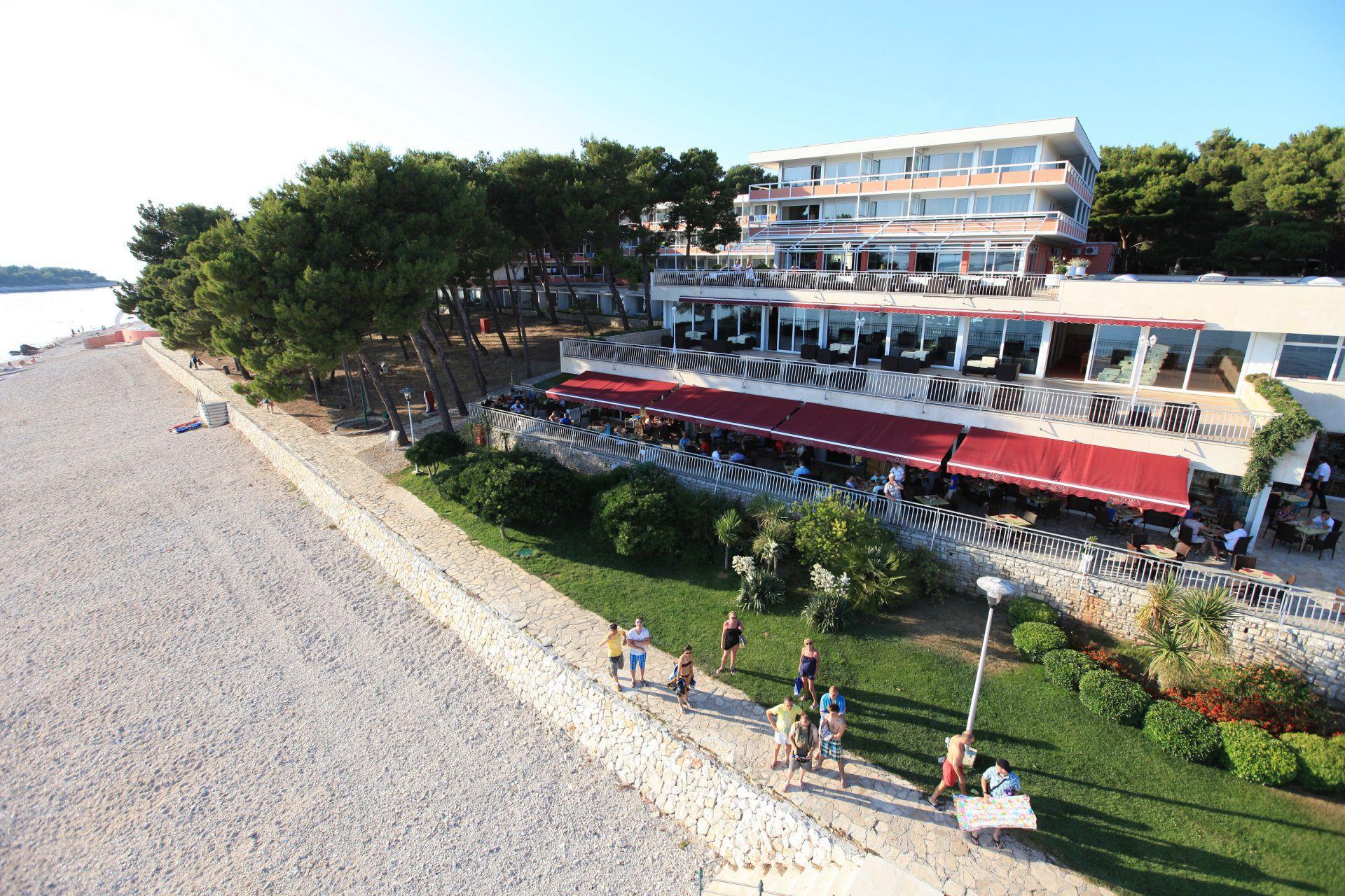 hotel 11 14825496075 o - Zora Hotel