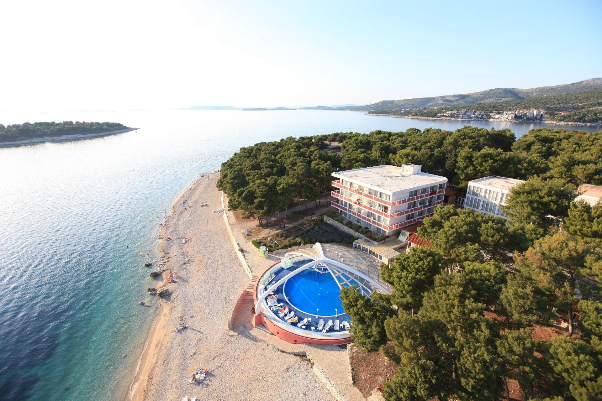 hotel 14 14802486016 o - Zora Hotel