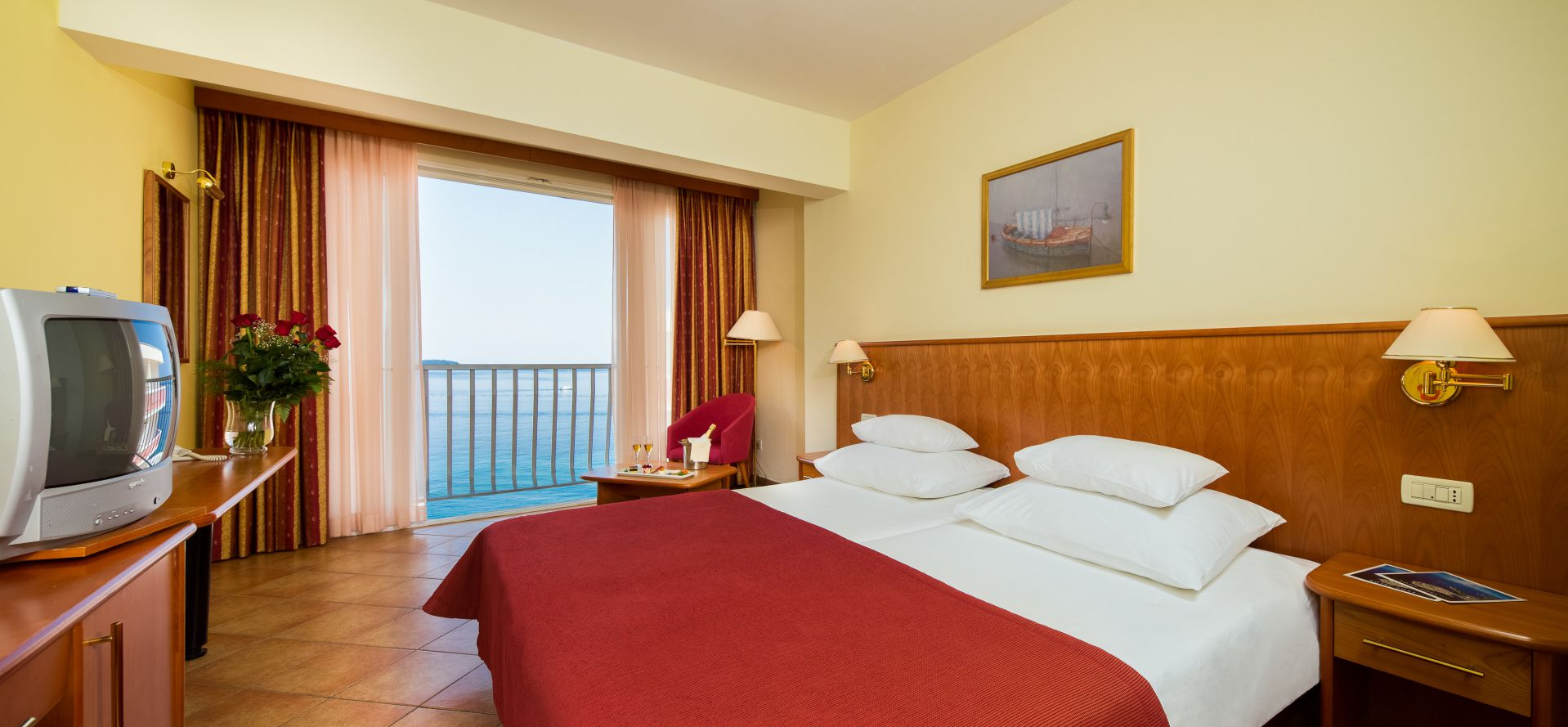 premier club room 01 14638809689 o - Zora Hotel