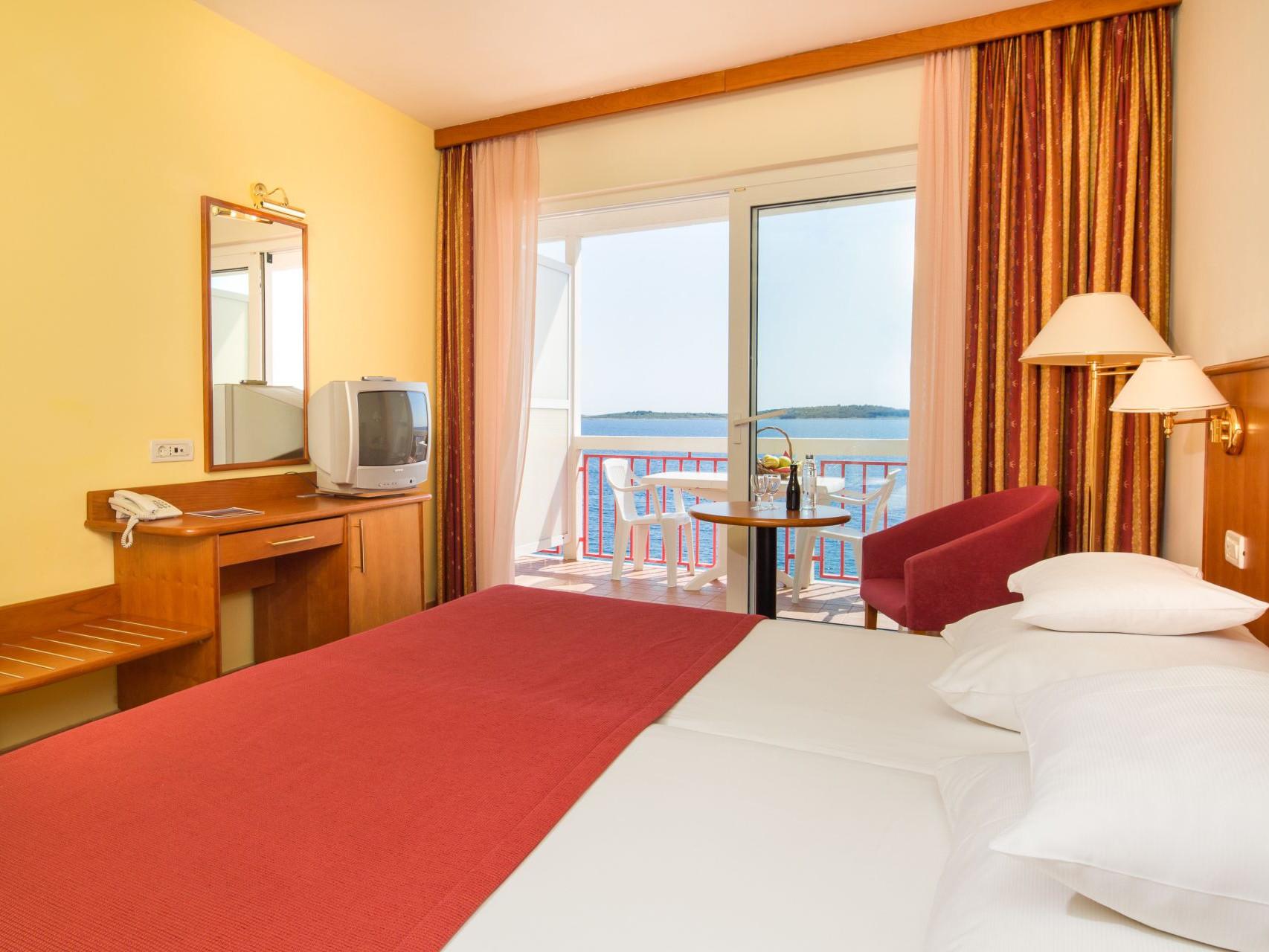 premier club room 03 14825093992 o uai - Zora Hotel