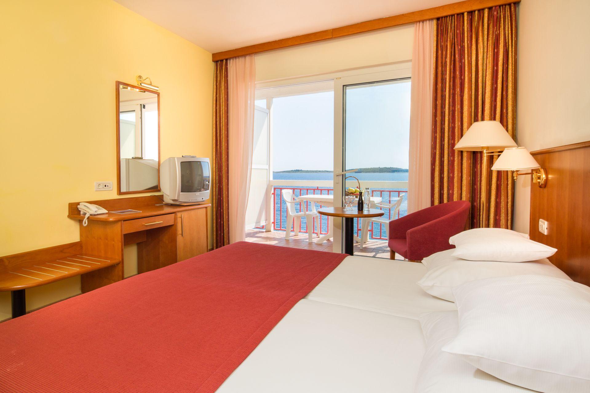 premier club room 03 14825093992 o - Zora Hotel