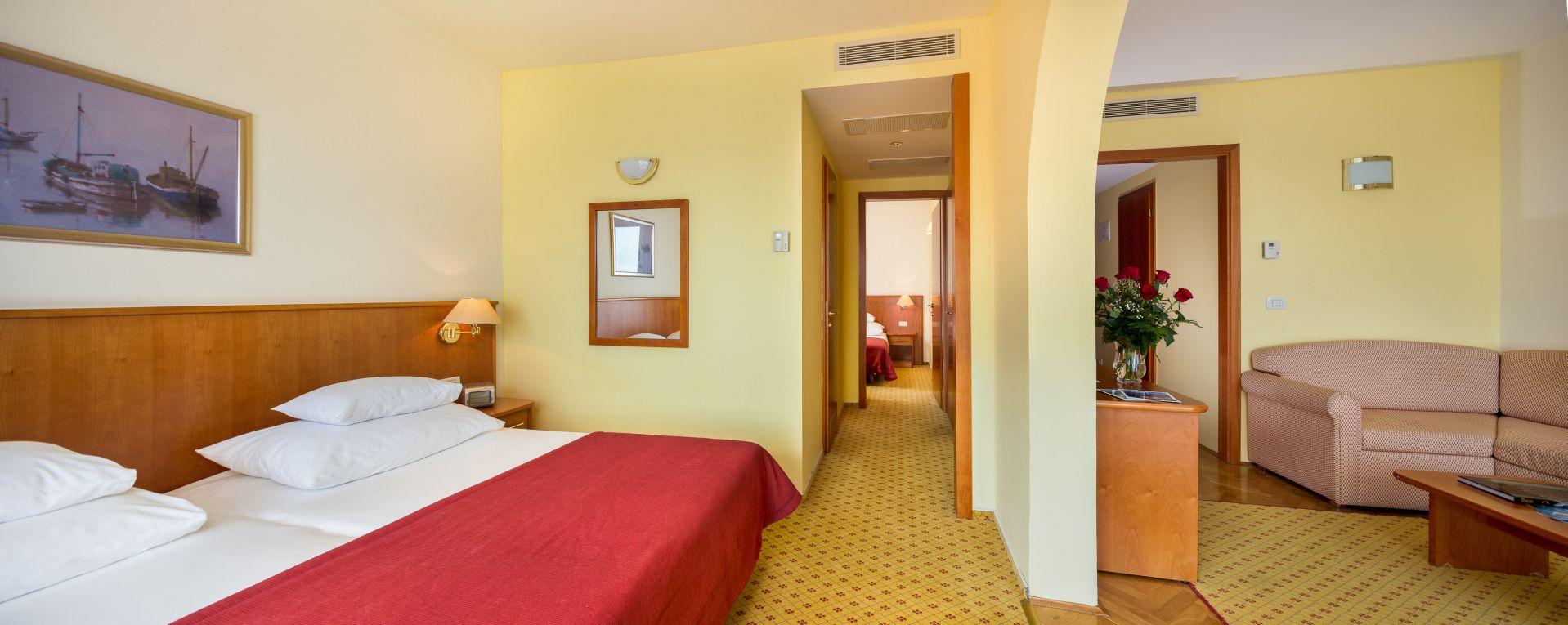 premier club suite 01 14638824578 o - Zora Hotel