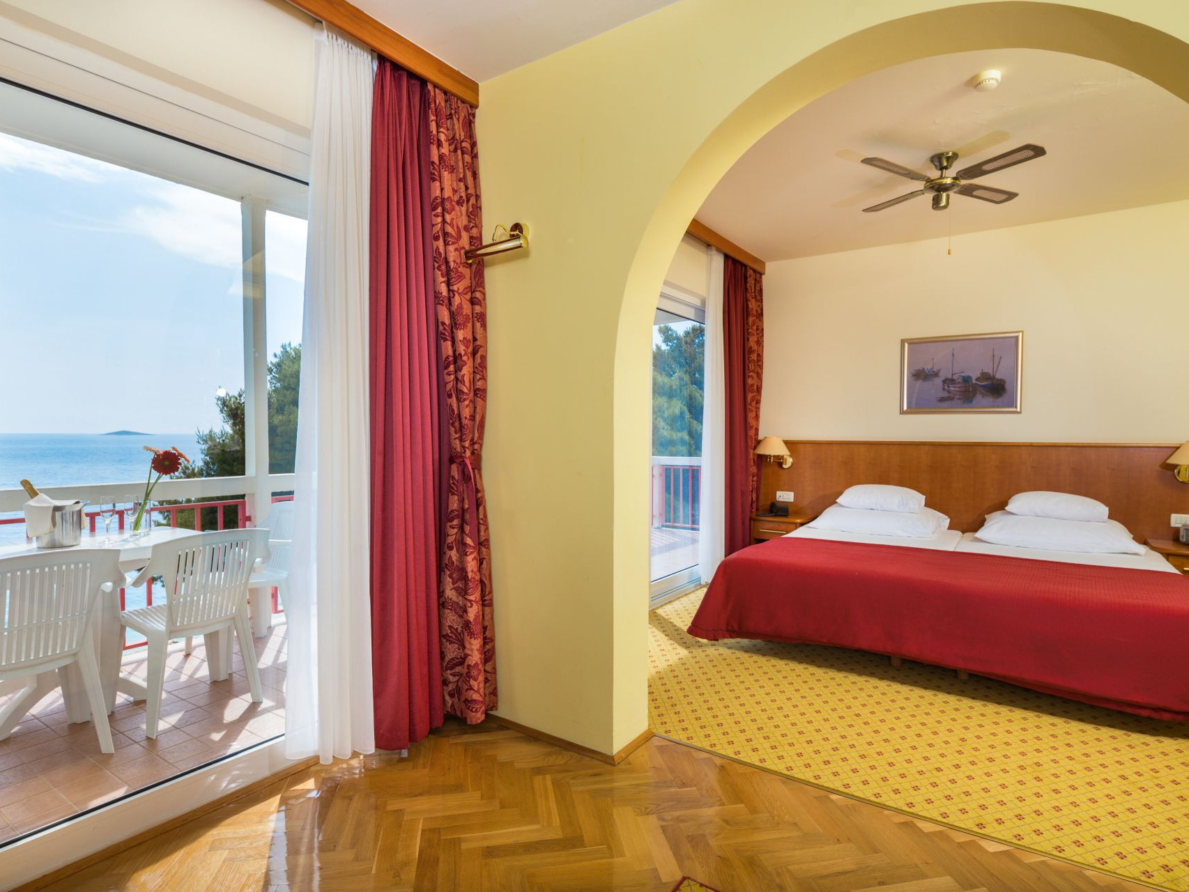 premier club suite 02 14822367451 o uai - Zora Hotel