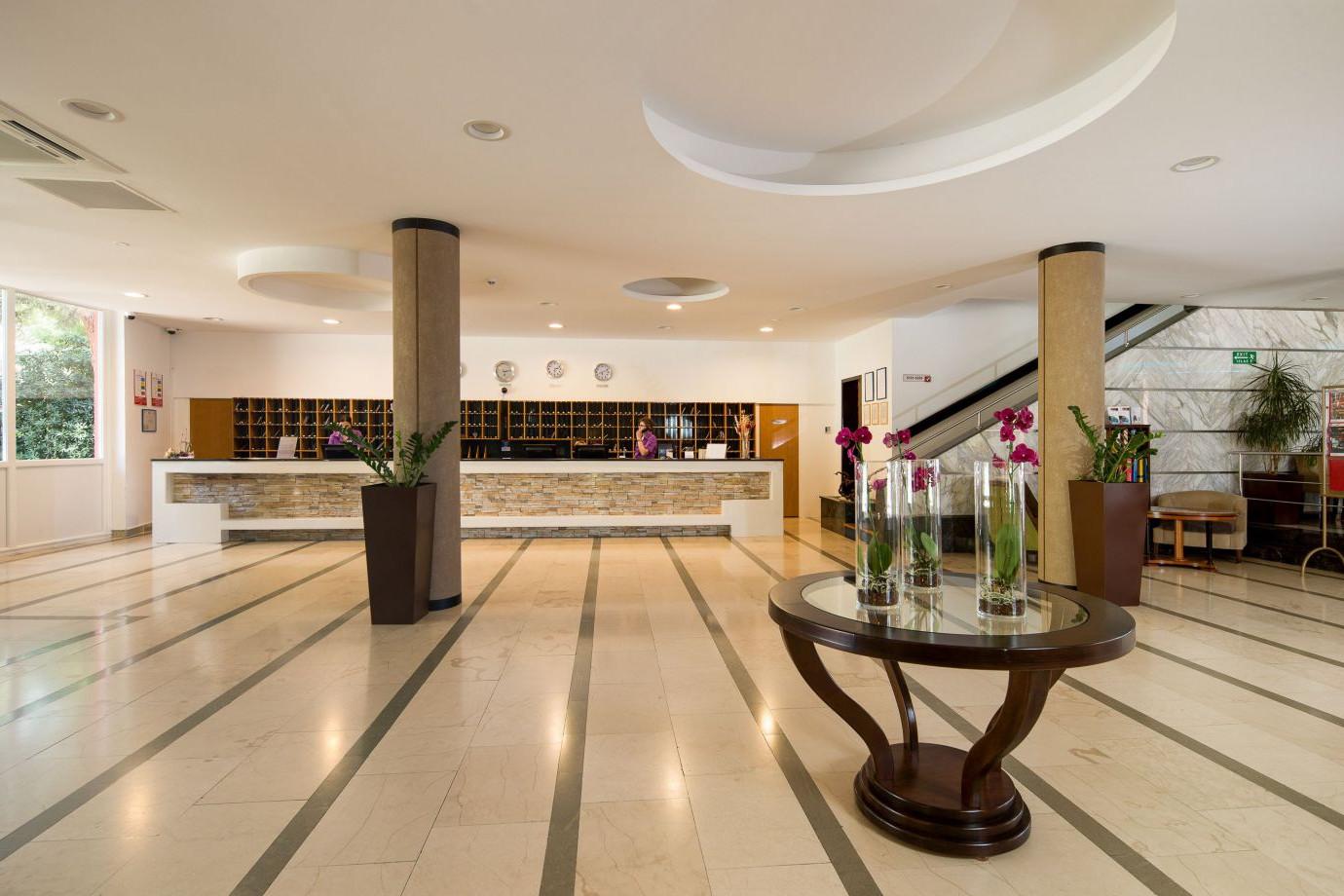 reception 06 14825480375 o uai - Zora Hotel