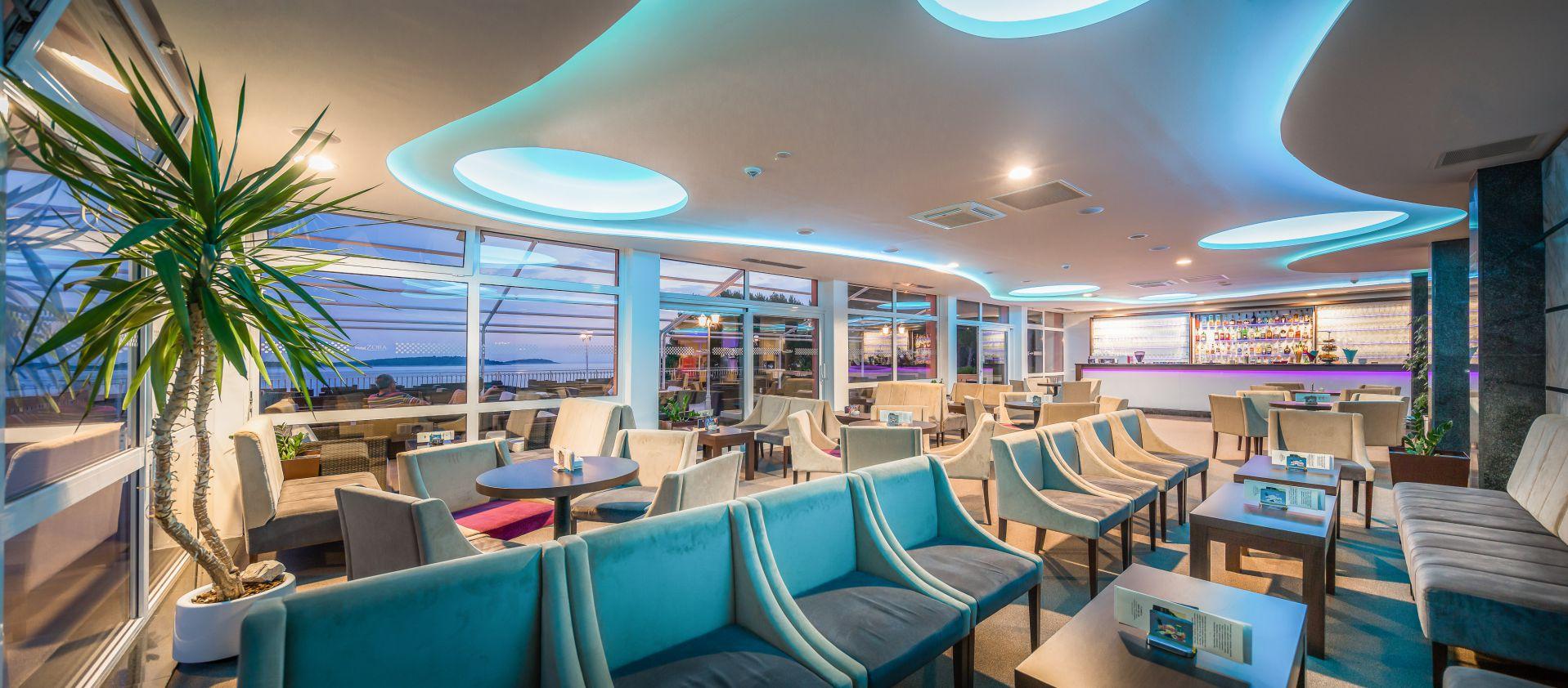 aperitif bar 03 14823358004 o - Zora Hotel