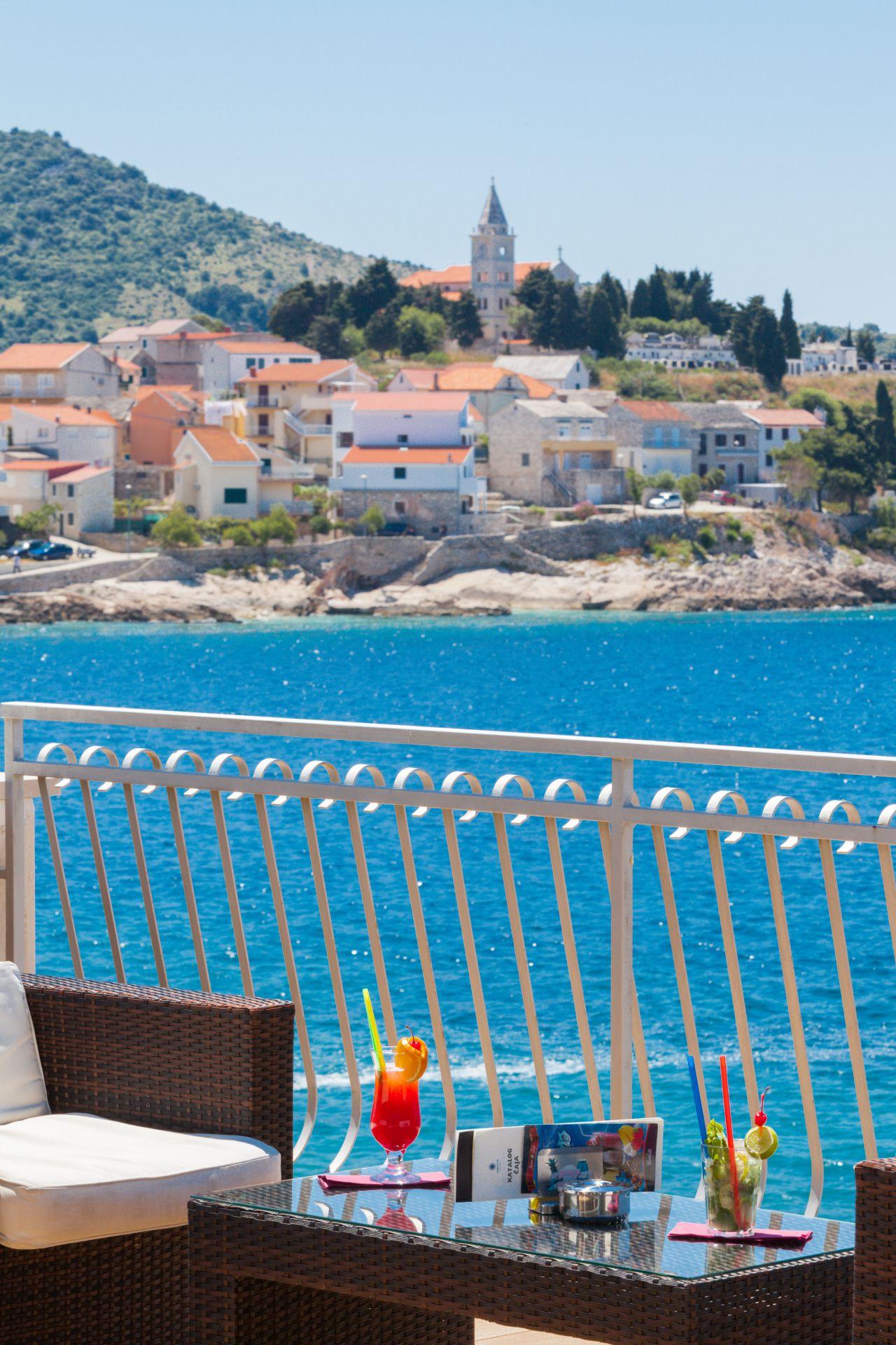aperitif bar 08 14822623141 o - Zora Hotel