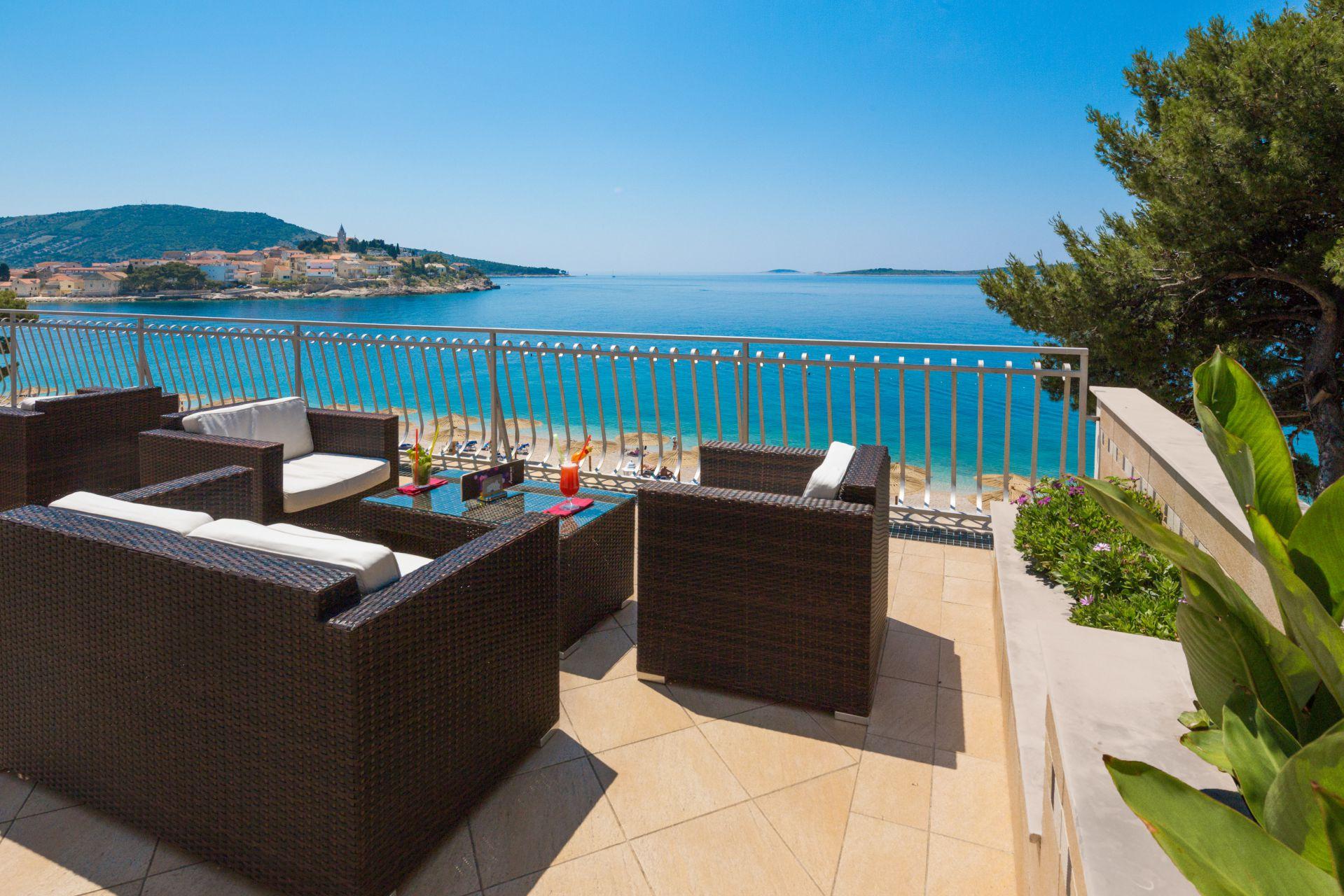 aperitif bar 11 14639168787 o - Zora Hotel