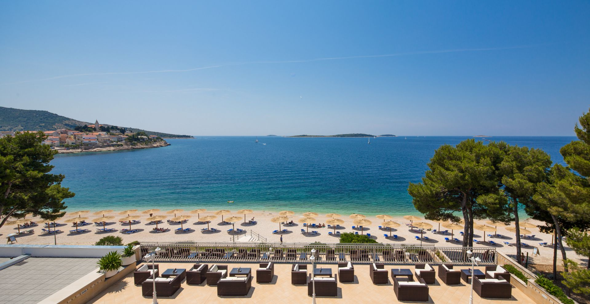 beach 02 14638674547 o - Zora Hotel