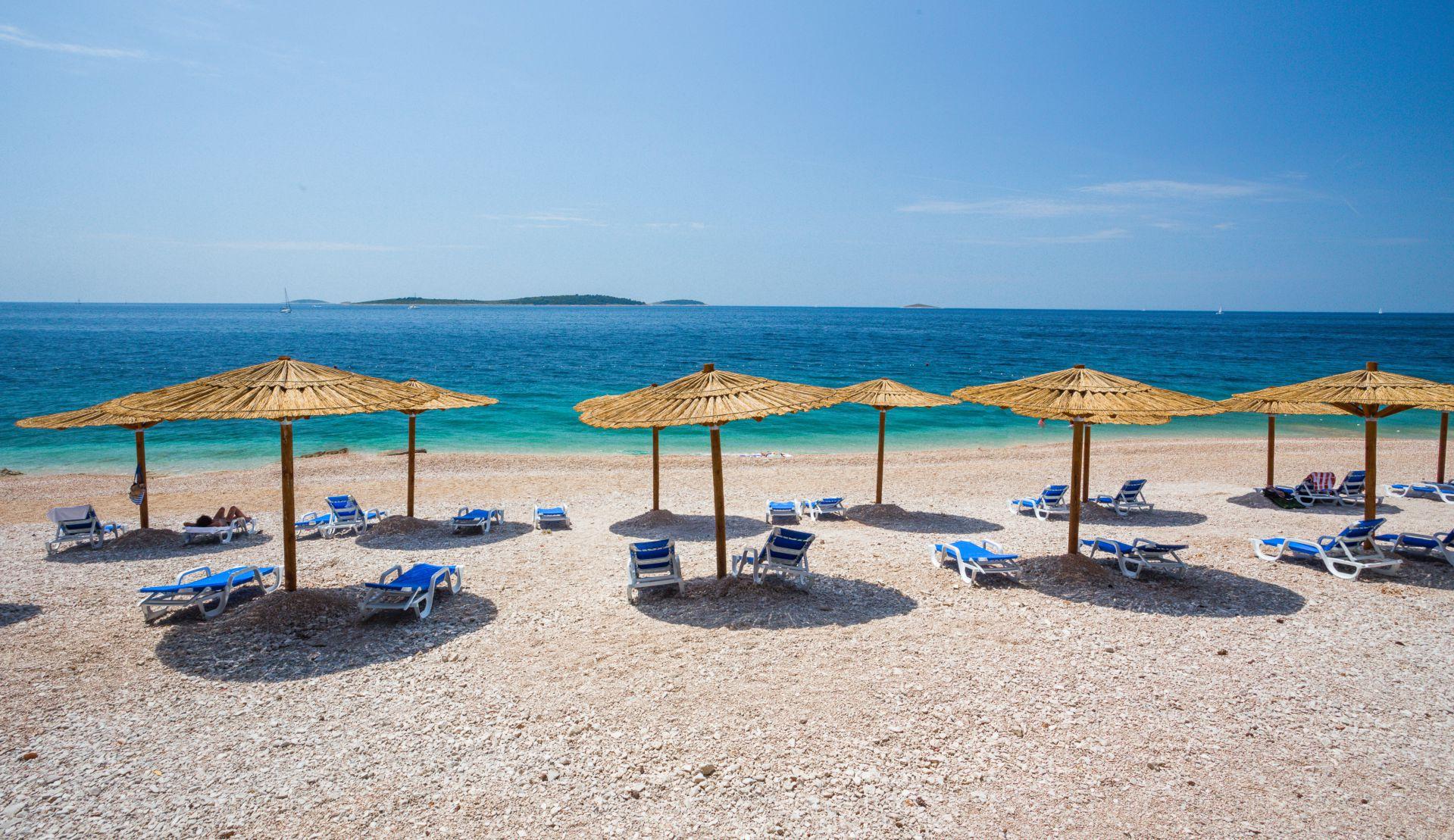 beach 03 14825218095 o - Zora Hotel