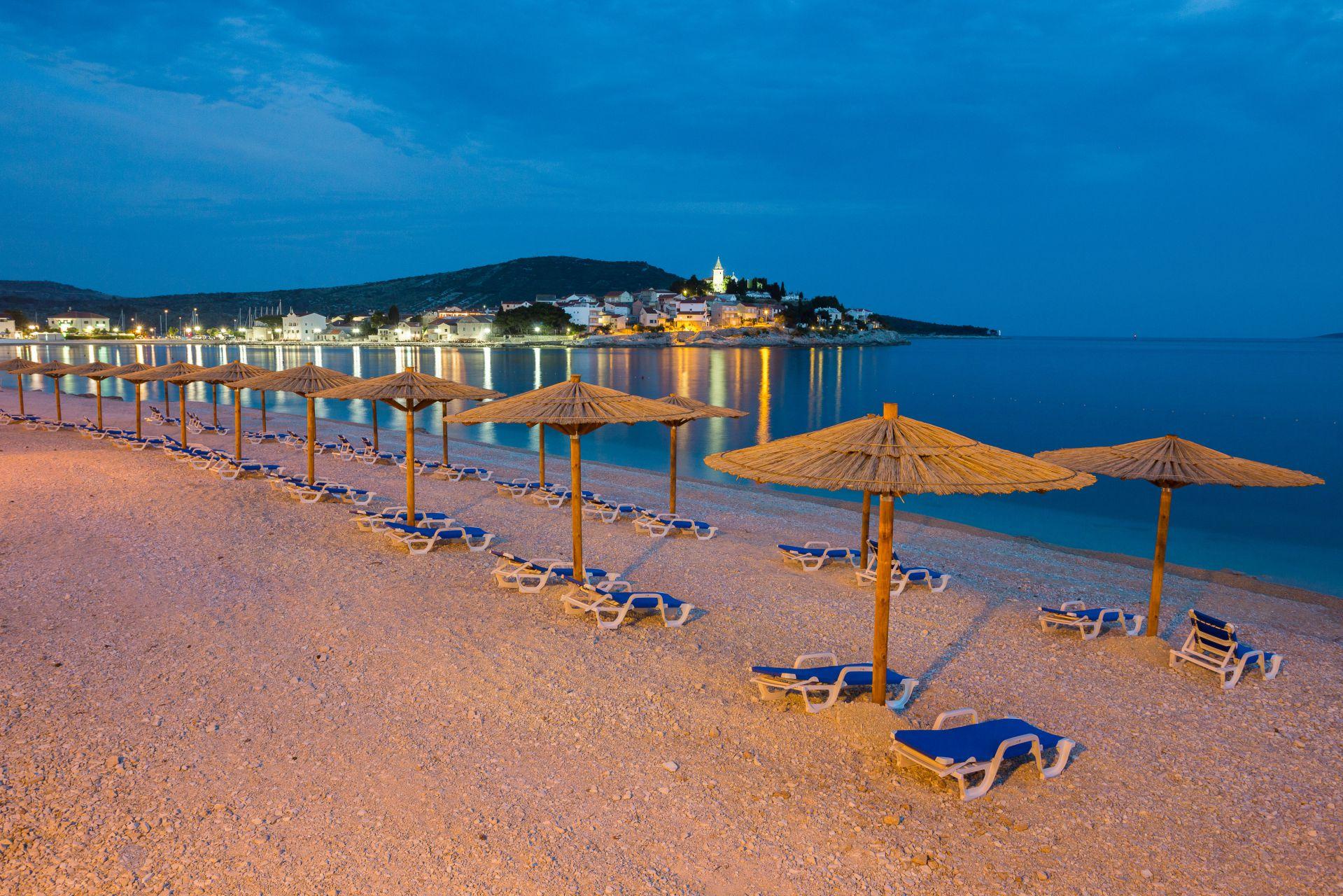 beach 09 14822836484 o 1 - Zora Hotel