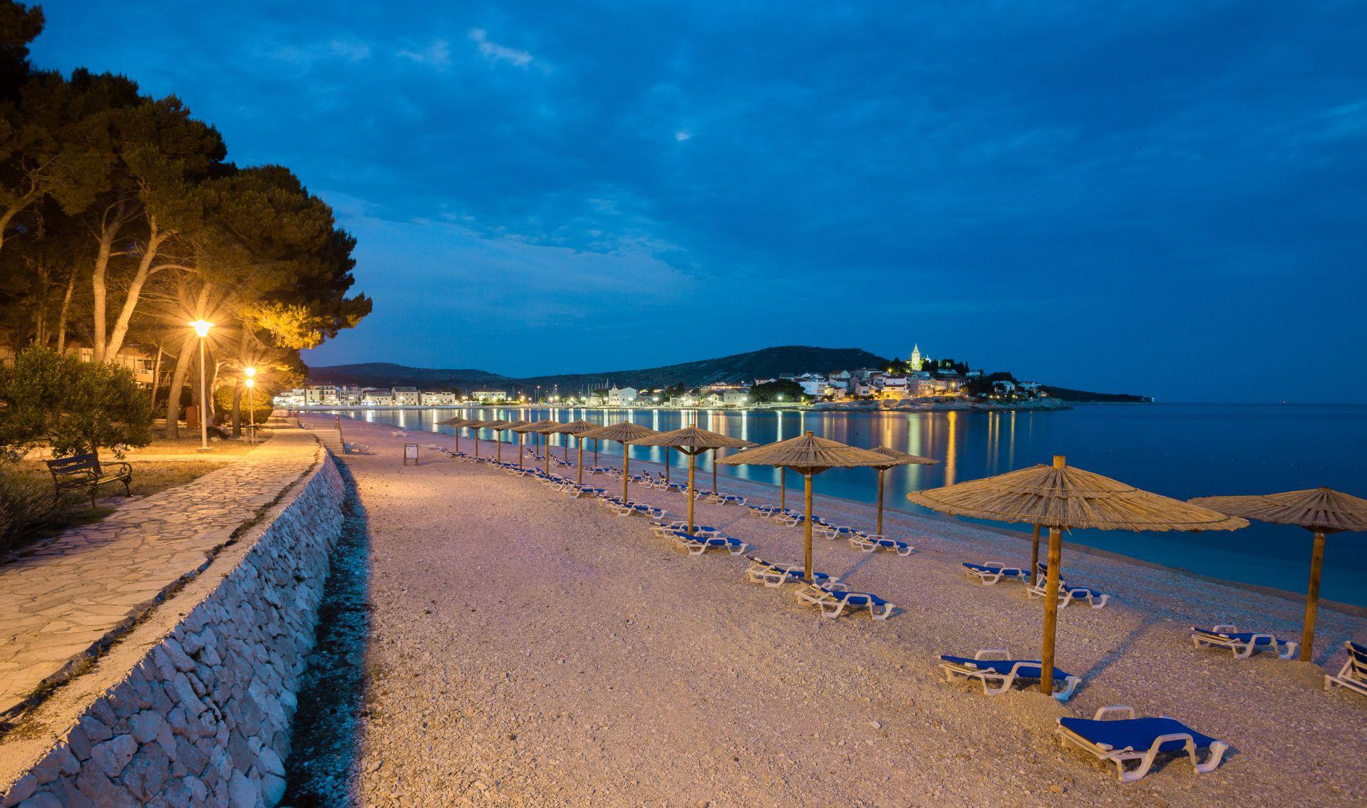 beach 10 14845039963 o - Zora Hotel