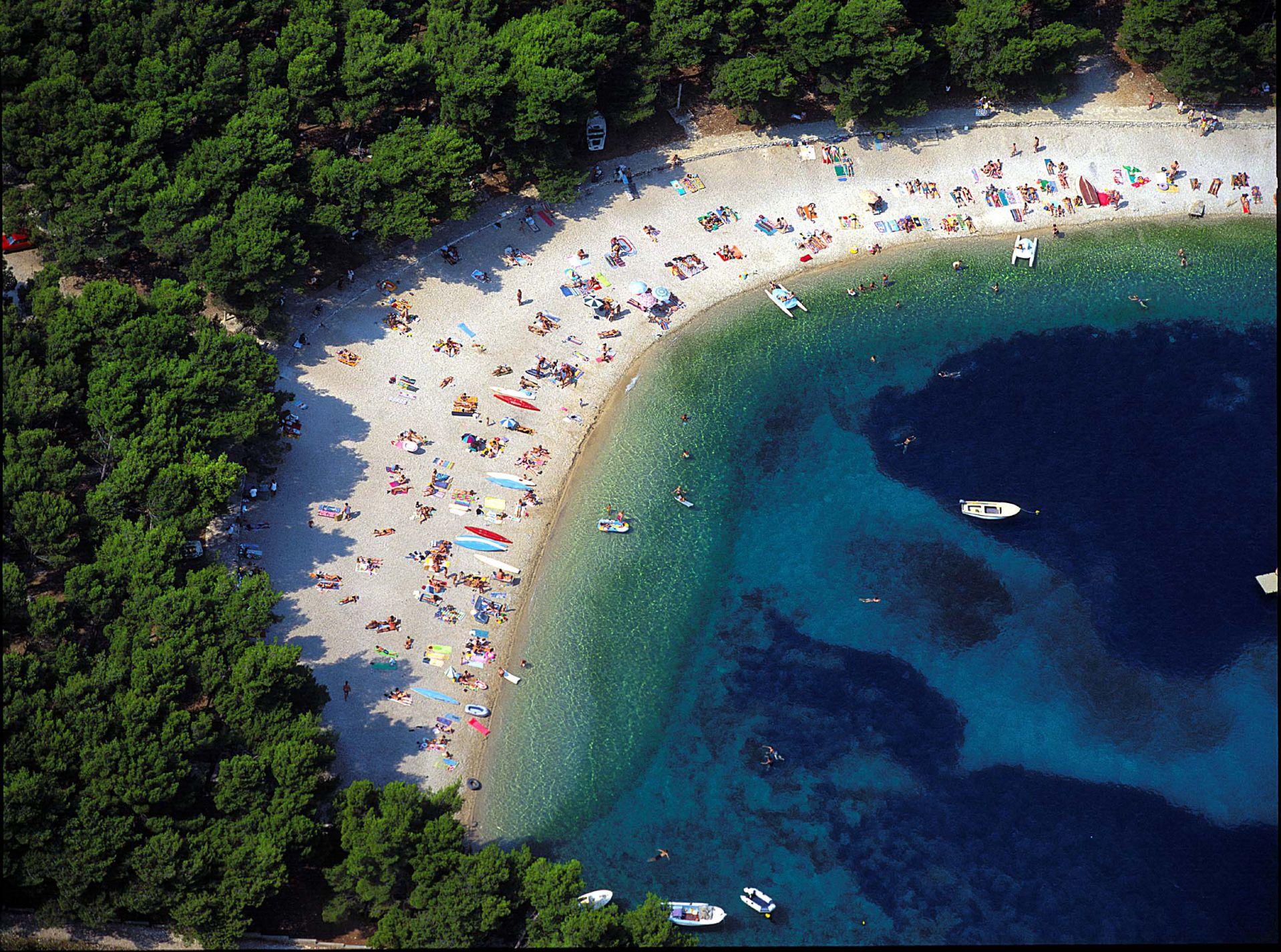 beach 18 14802182976 o 1 - Zora Hotel