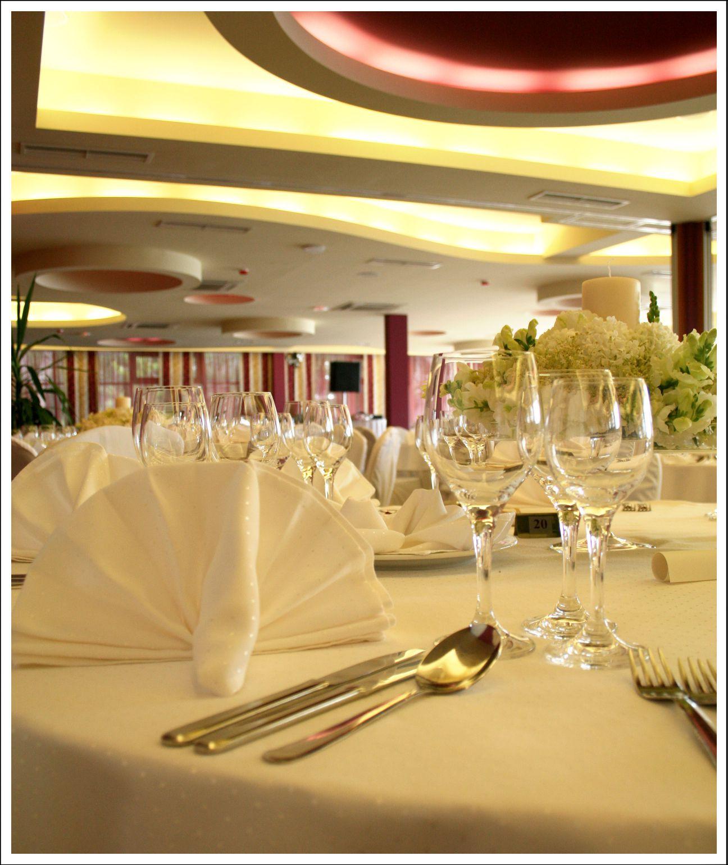 congress center gala dinner 09 14825758412 o - Zora Hotel