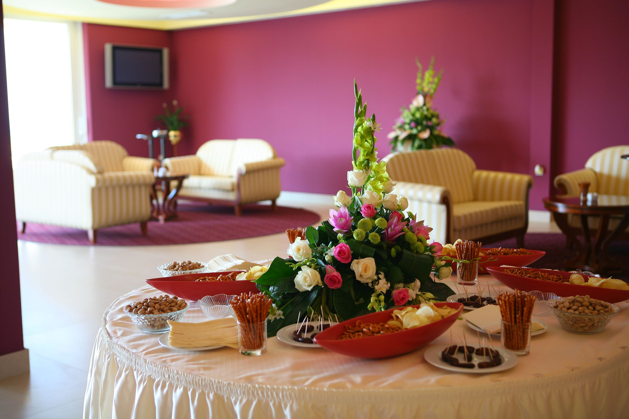 congress center lobby bar 07 14639410340 o - Zora Hotel