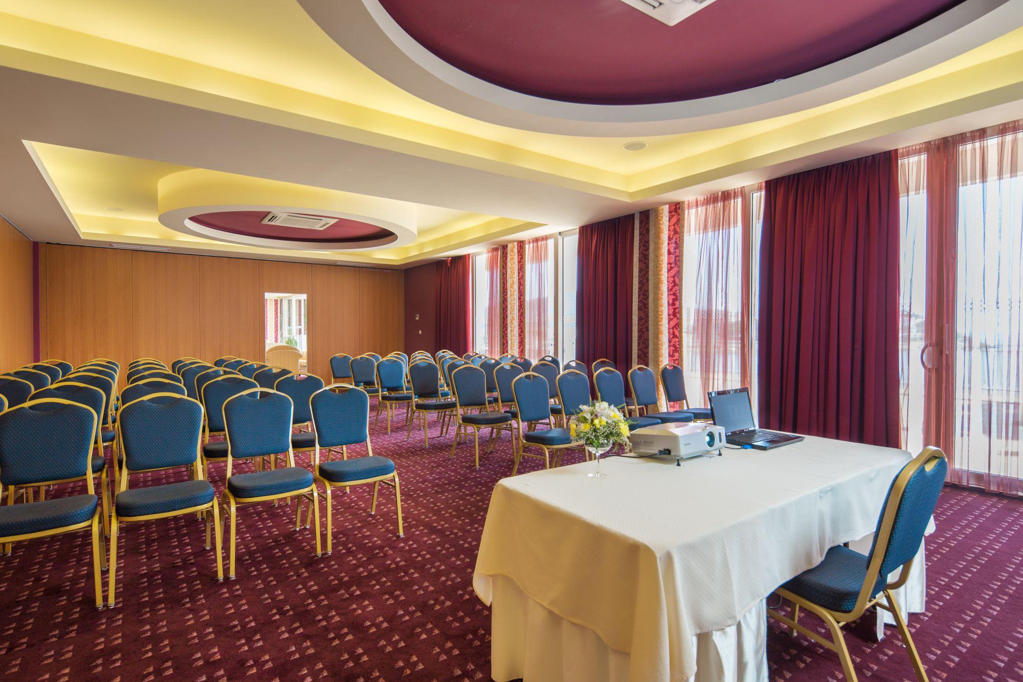 congress hall penkala ii 03 14639418809 o - Zora Hotel