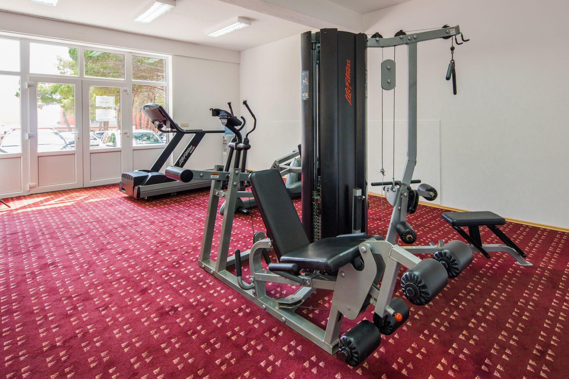 fitness 01 14639235579 o 1 - Zora Hotel
