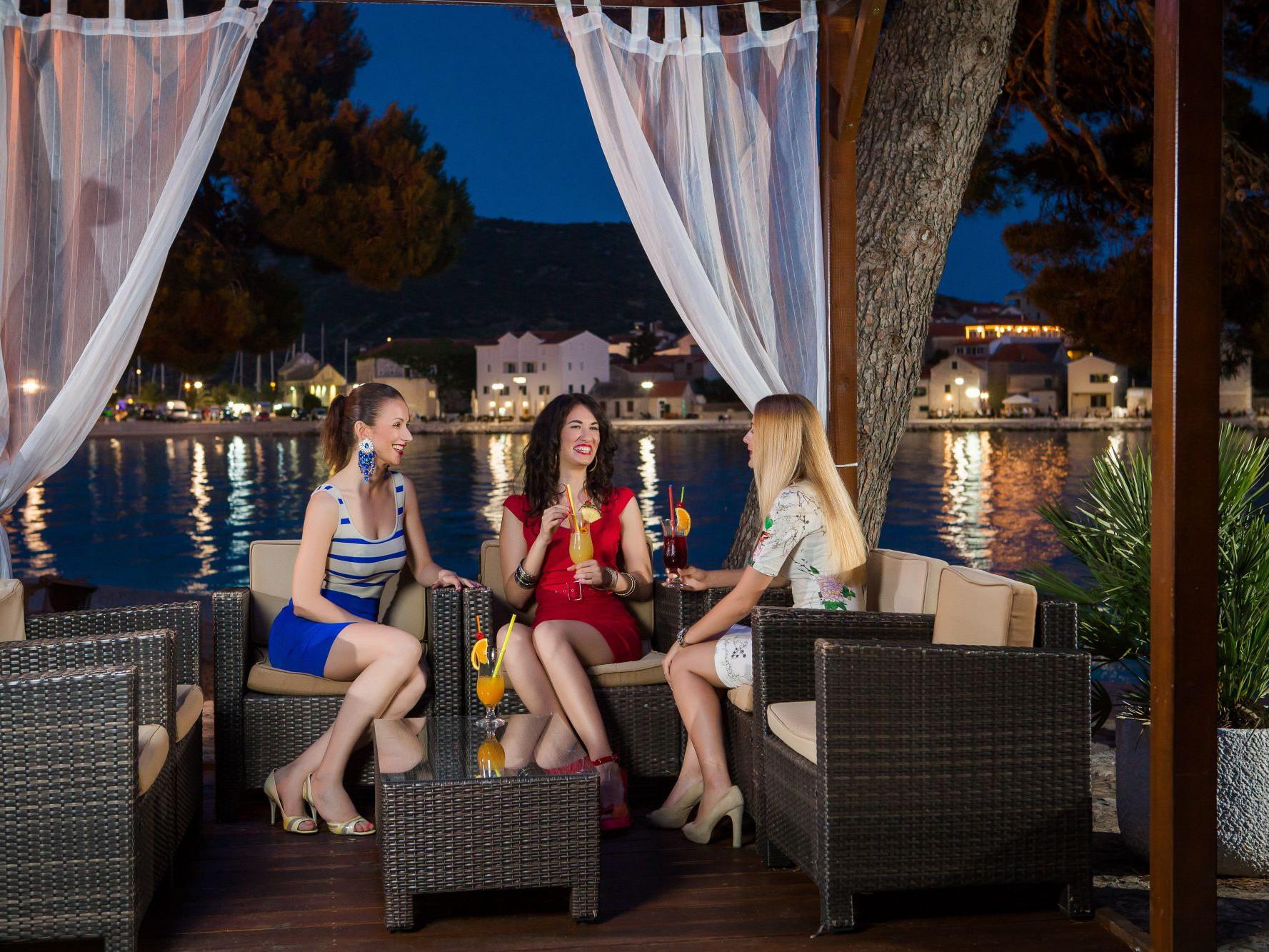 lifestyle 21 14832933621 o 1 uai - Zora Hotel