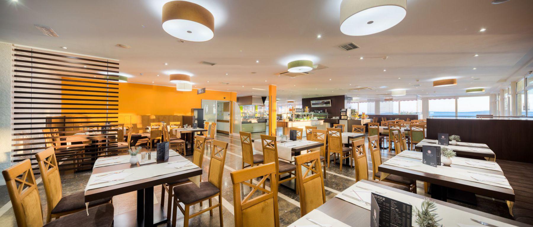 restaurant 21 16697815147 o - Zora Hotel