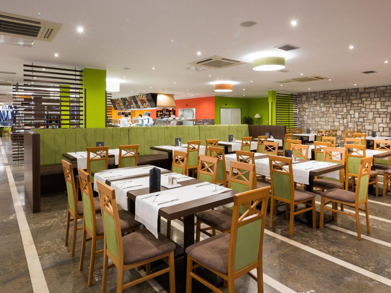 restaurant 26 16282752794 o 1 uai - Zora Hotel
