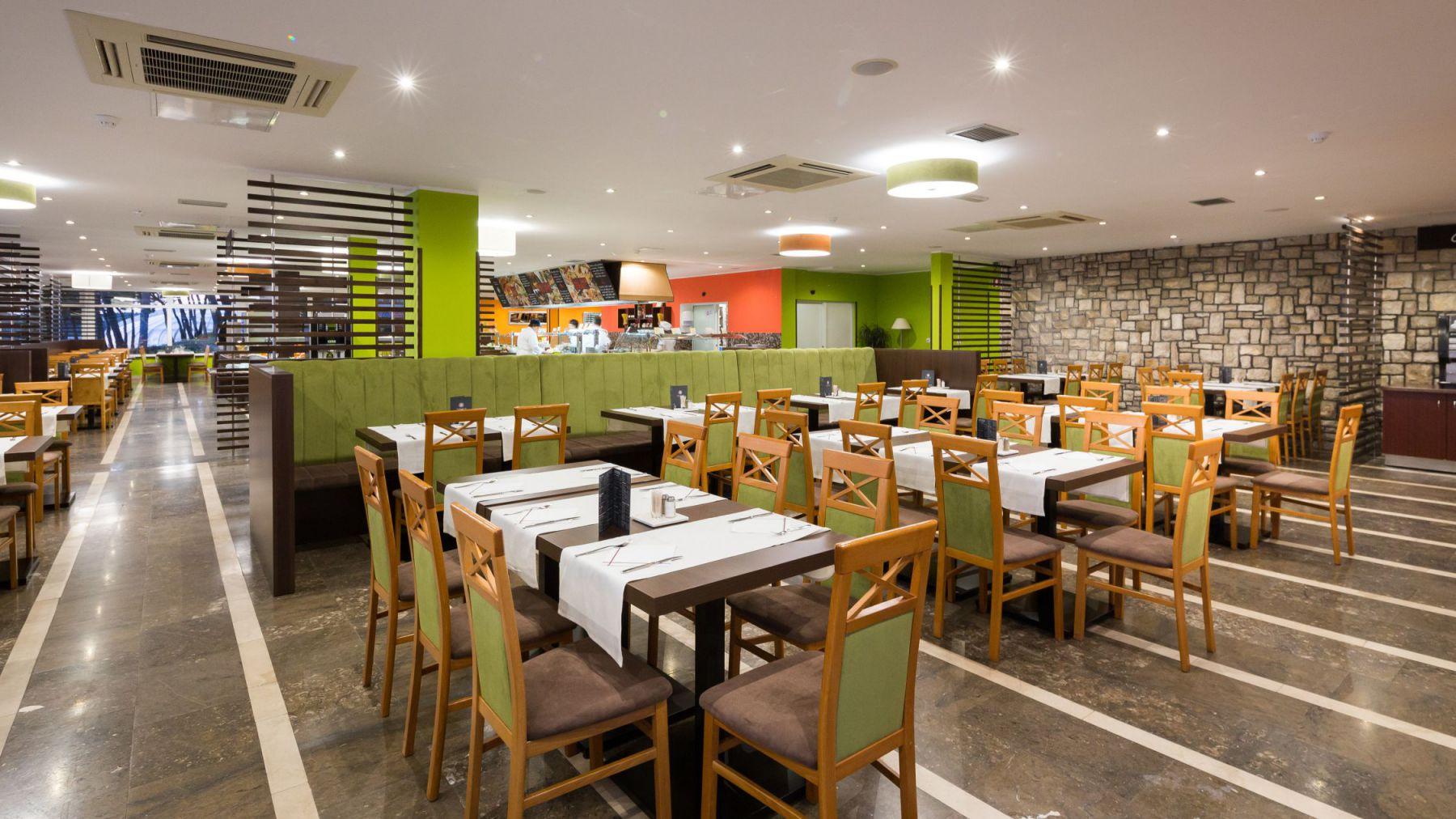 restaurant 26 16282752794 o - Zora Hotel