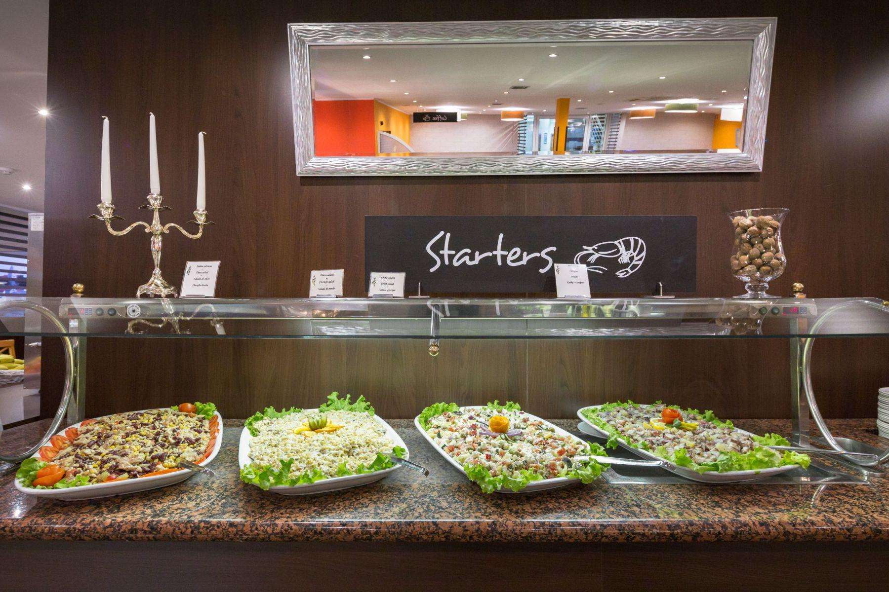 restaurant 28 16285110433 o - Zora Hotel