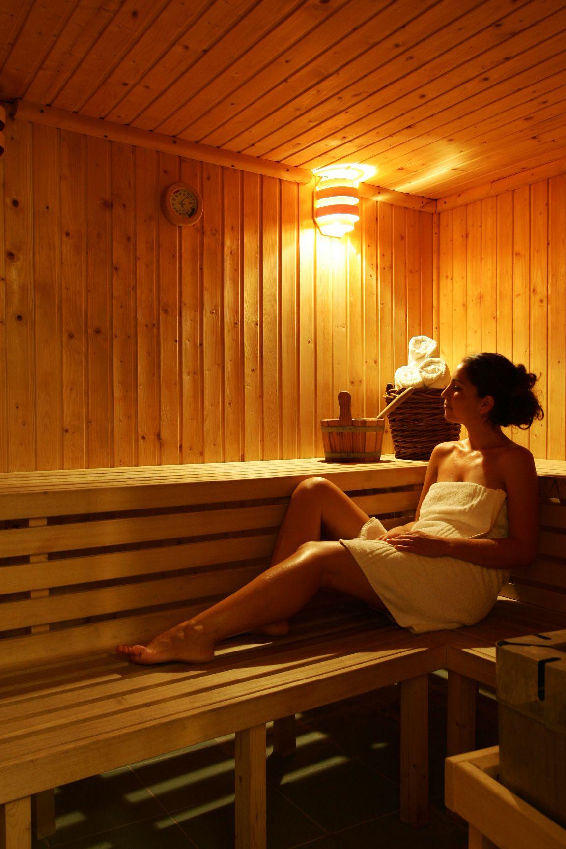 sauna 01 14822787161 o - Zora Hotel