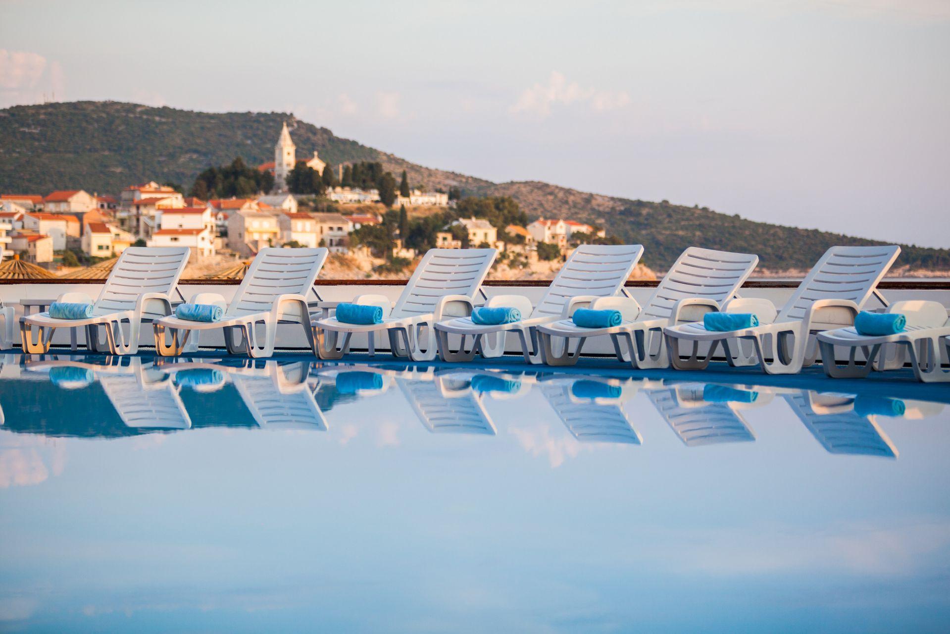 swimming pool 04 14823507874 o - Zora Hotel