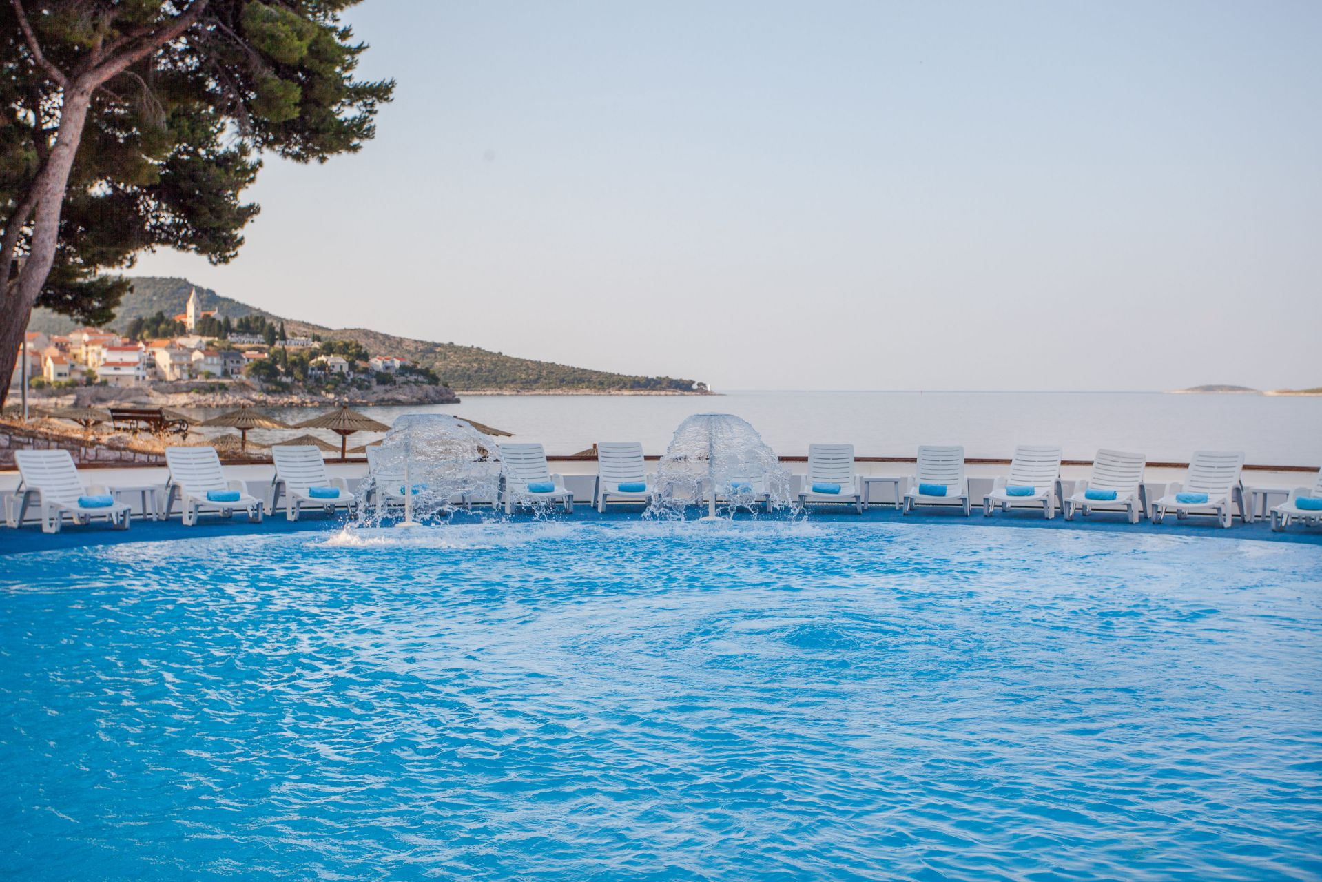 swimming pool 05 14639329127 o - Zora Hotel