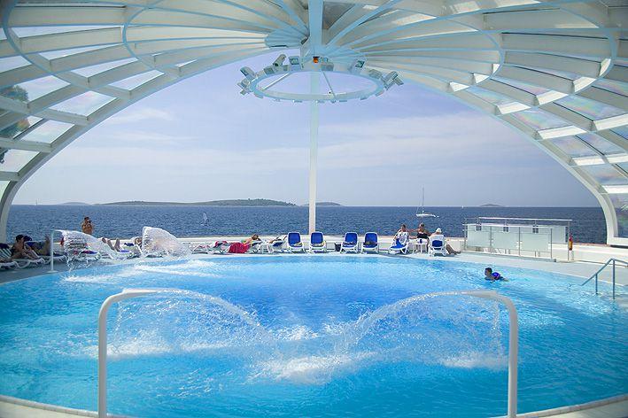 swimming pool 10 14823496504 o - Zora Hotel