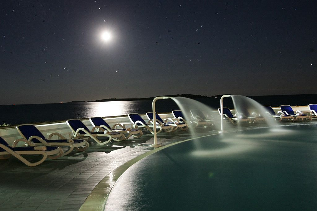 swimming pool 18 14639312877 o - Zora Hotel