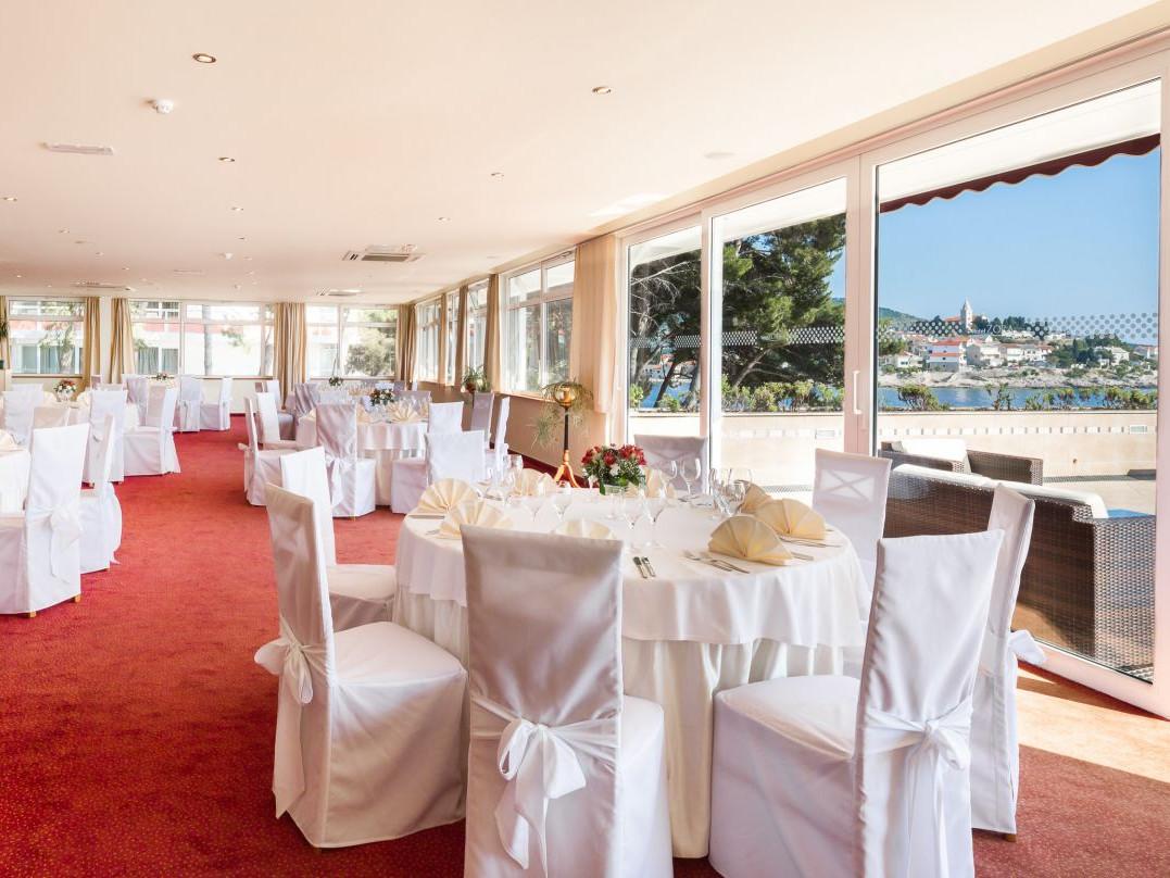 wedding piano bar 01 14823939924 o uai - Zora Hotel