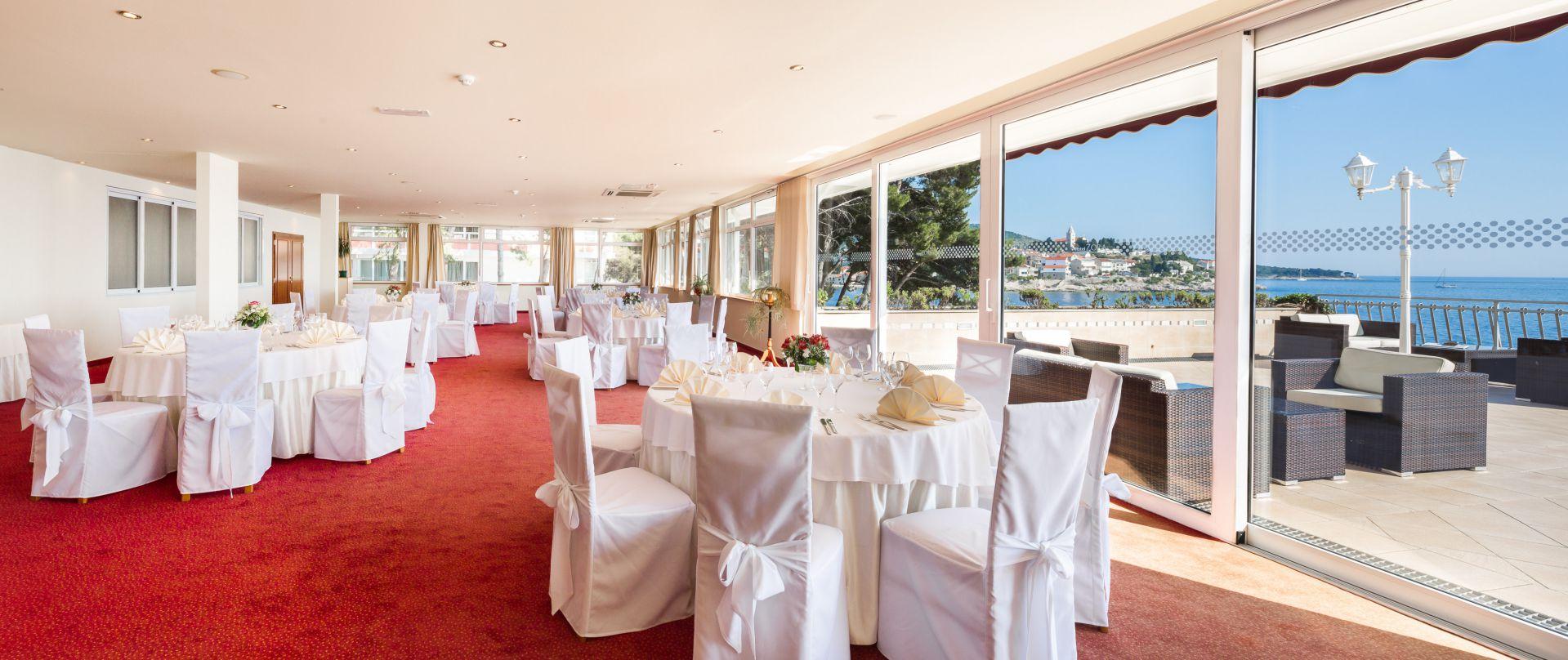 wedding piano bar 01 14823939924 o - Zora Hotel