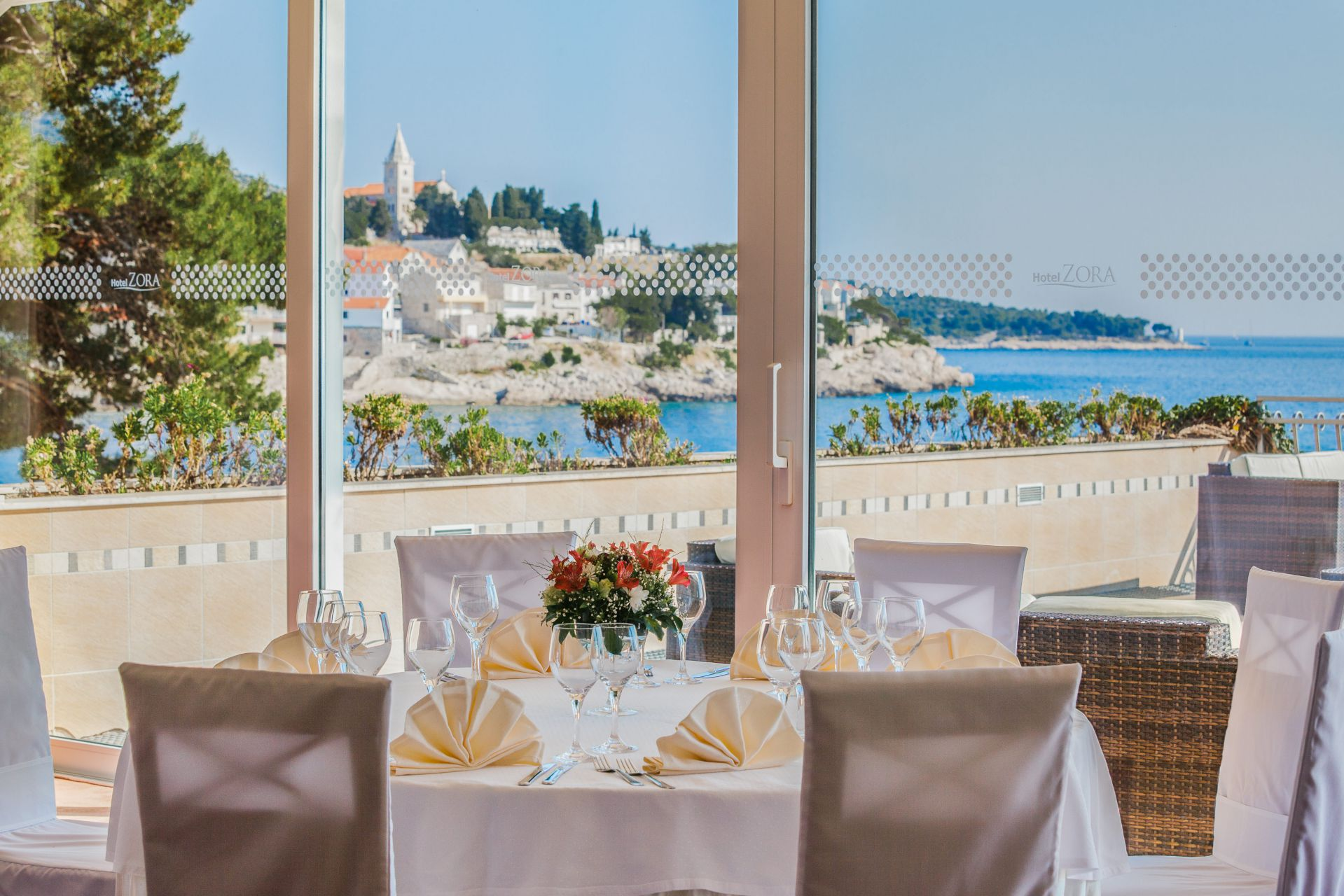 wedding piano bar 02 14639669978 o 1 - Zora Hotel